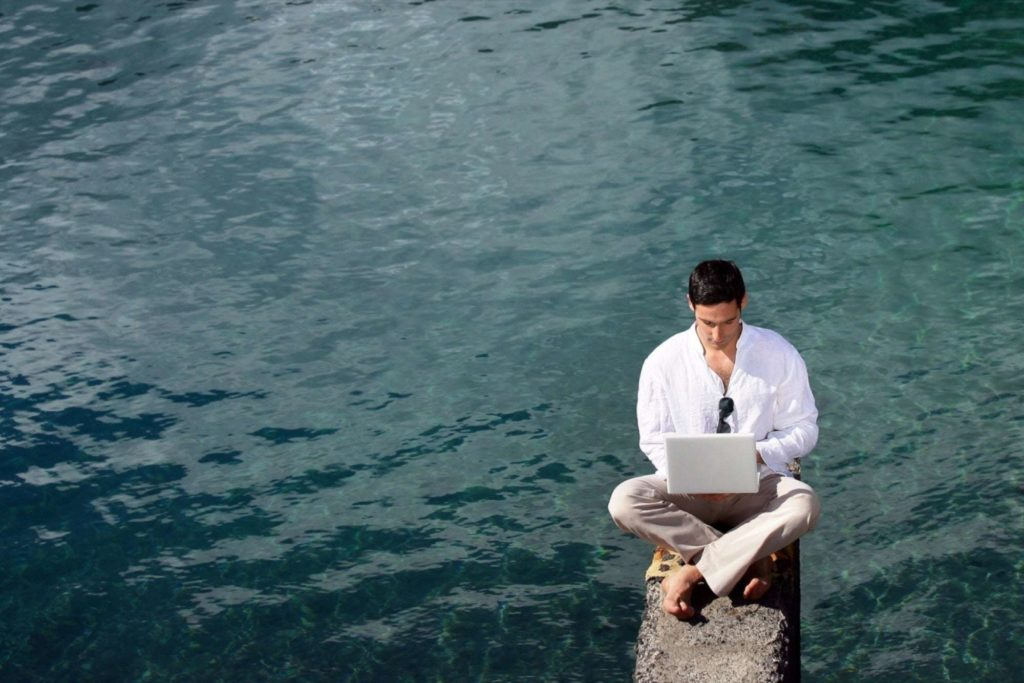 20150430171454_5_alternative_locations_get_work_done_when_need_escape_office_man_water_laptop1.jpeg